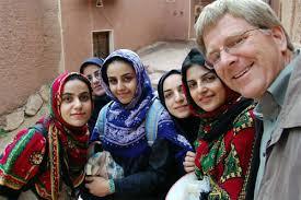 Iranians show hospitality to tourists